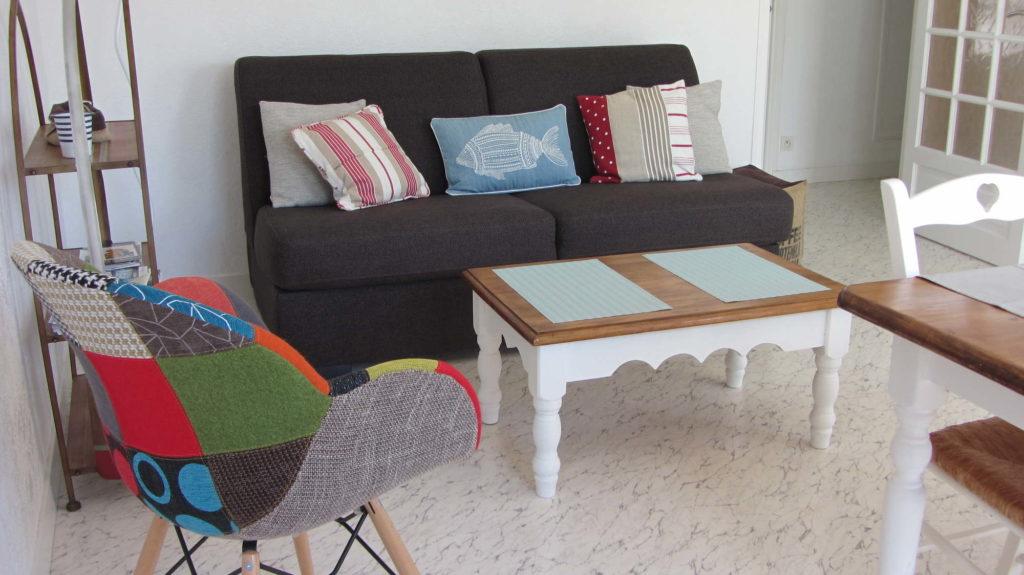 Le salon et son canapé-lit